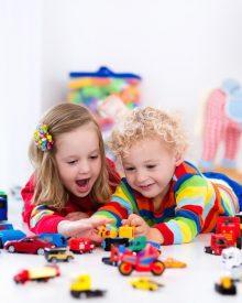 5 powodów, dla których dziecko powinno bawić się klockami